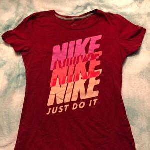 NIKE red tshirt